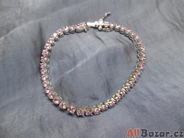Stříbrný náramek se zirkony – růžový