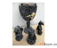 Magický pohár se soškami