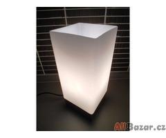 Stolní dotyková lampa