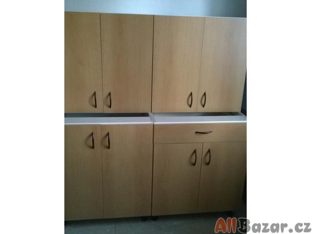 Kuchyňská linka 140cm - buk