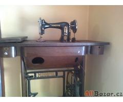 starý šicí stroj MINERVA