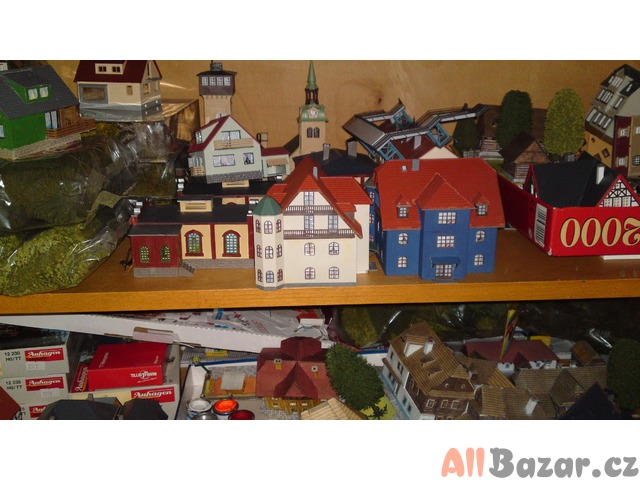 prodám stavby pro modelové kolejiště nebo stavbu krajinek.