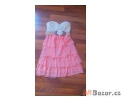 Šaty pro slečny