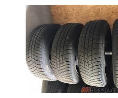 Celé ocelové kola se zimní pneumatikou na Peuegot 307
