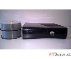 XBOX 360 - 250 GB + PŘÍSLUŠENSTVÍ + 60 HER