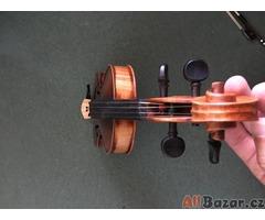 školní housle - celé