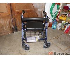 Invalidní chodítko čtyřkolové-hliníkové