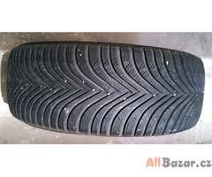 Zimní pneu Michelin ALPIN 5  215/55 R17 téměř nové