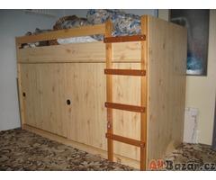 atyp postel s úložným prostorem