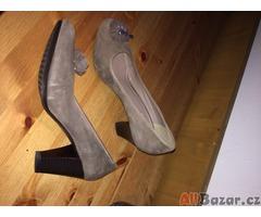 výprodej botníku