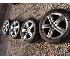 sada alu kola Audi Q7 VW 4L0071490A 5x130 9jx20 et60 pneu Pirelli Scorpion 275/4