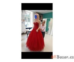 Plesové-maturitní šaty