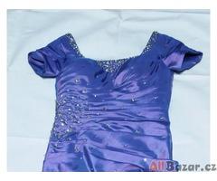 Plesové (maturitní) šaty