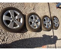 sada Audi Škoda 8S0601025J dot2015 5x112 7jx17 et47