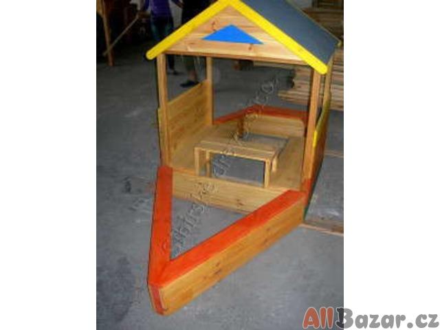 Dětské pískoviště-loď Cestovatel