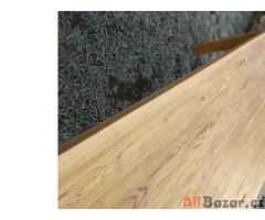 Jídelní stoly z dubové podlahy