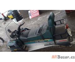 Snezny skutr Polaris Indy Widetrak GT 500 50kw, r.v 1996, najeto pouze 2000km!!!