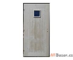 Smrkové palubkové dveře nové nenatřené pro venkovní účely