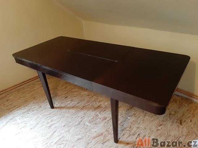 Rozkládací stůl