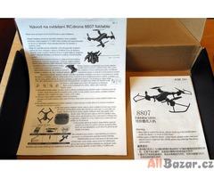 Skládací dron