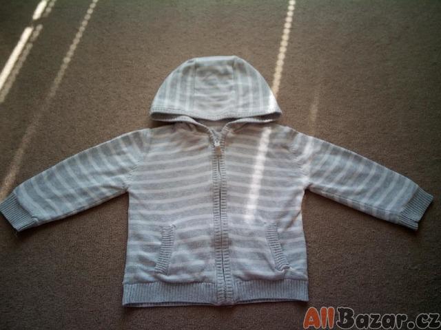 Pruhovaný svetr s lehkou podšívkou