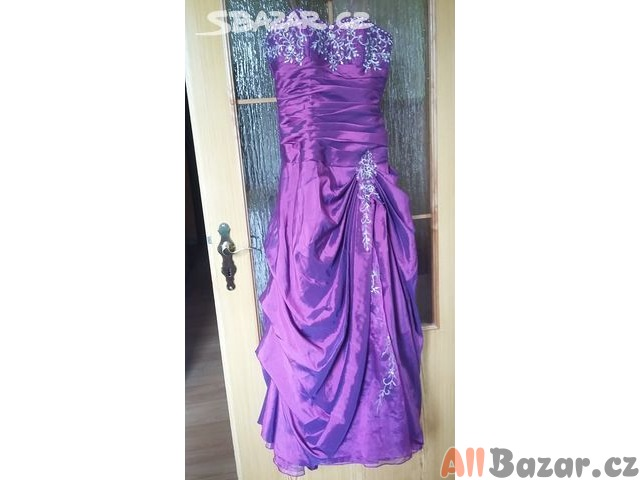 Maturitní plesové šaty
