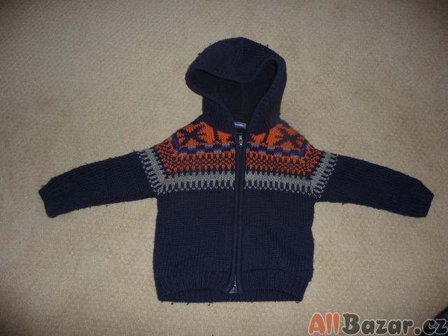 Teplý zimní svetr