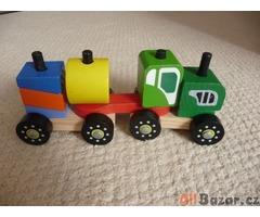 Dřevěný skládací traktor / vláček