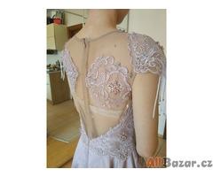 luxusní nové plesové šaty