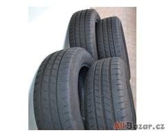 Letní pneu-Goodyear EfficientGrip 195/60 R16 89 H-téměř nové