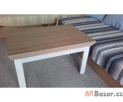 Konferenční stolek kombinace dub+bílá, rozměry 60 x 90 x 50,5 výška.