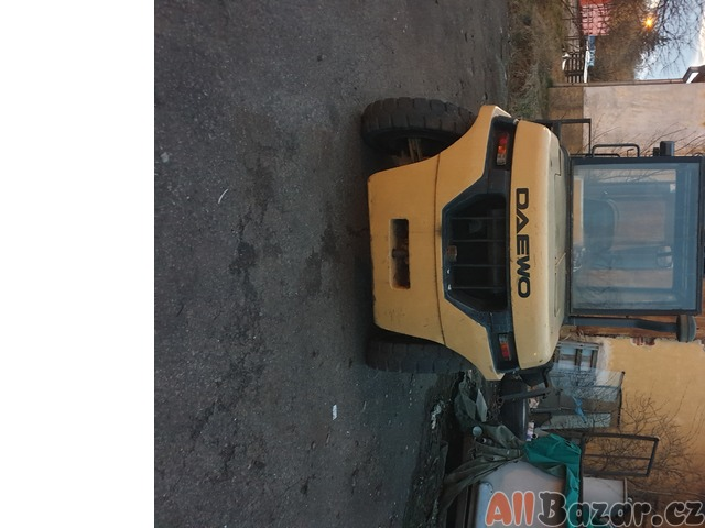 vysokozdvižný vozík Daewoo S60 - málo používaný