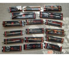 Sbírka malých replik zbraní