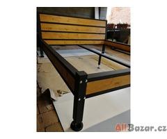 Industriální postel