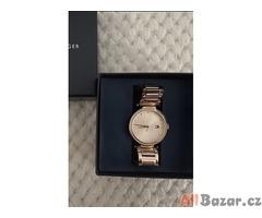 Dámské hodinky Tommy Hilfiger