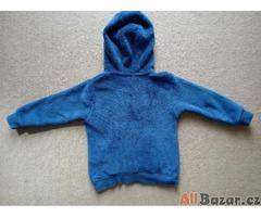 Modrá chlupatková mikina