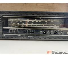 Radiopřijímač Saturn MR 423