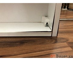Zrcadlo (zrcadlove dvirka)