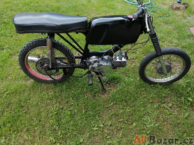 Motorka Jawa 23