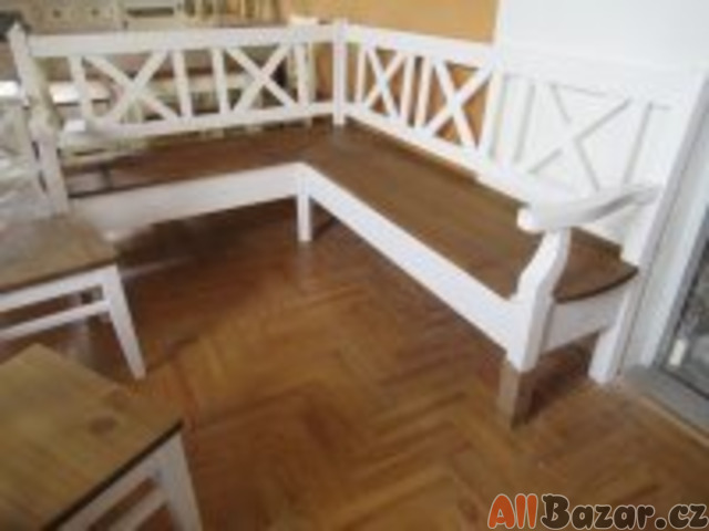 Prodám novou rohovou lavici z masivní borovice.