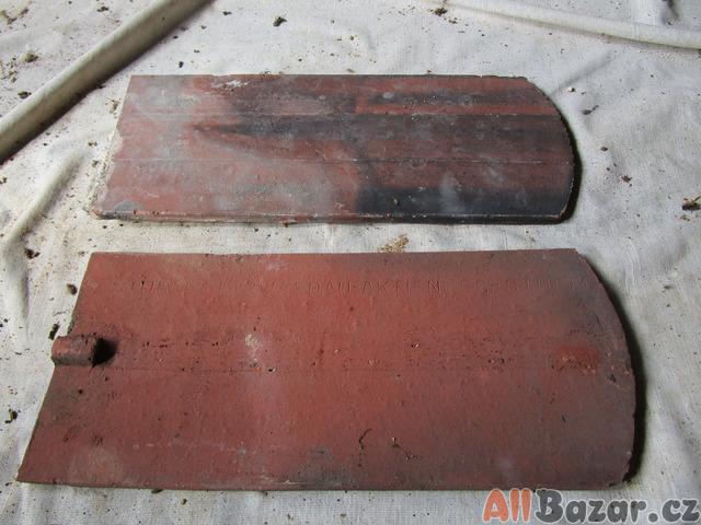 pálené střešní tašky 37 x15 cm