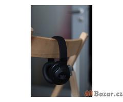Bezdrátová sluchátka JBL E55BT