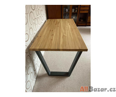 Nový jídelní stůl