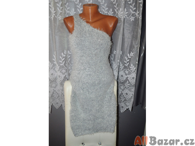 Chlupaté šaty-L