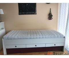 Jednolůžková postel s vysouvací lůžkem