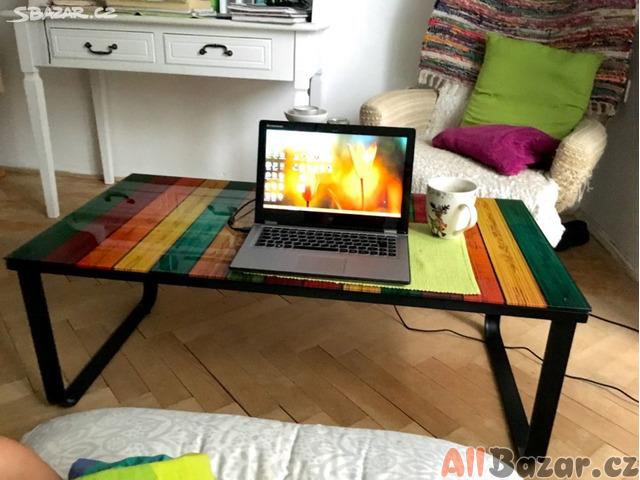 Konferenční stolek barevný