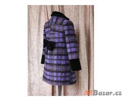 Dětský károvaný kabátek se sametovými prvky
