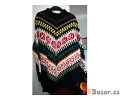 dámský  svetr  ručně  pletený 2 ks